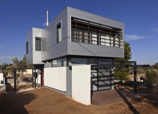 bioclimatic design, cantilevering home, greece, athens, bioclimatic house, house that breathes through its roof, green design, sustainable design, eco-design, passive design, natural ventilation, alternative heating, Gem Architects, metal house, container house