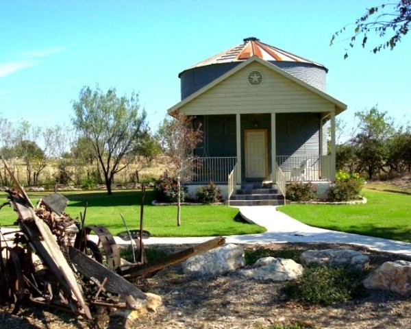 Texas, New Braunfels, Gruene Homestead Inn, Silo, lodging in texas, lodging near San Antonio, green renovation, silo conversion, loft apartments, design, sustainable design, tourism, eco-tourism, green design,