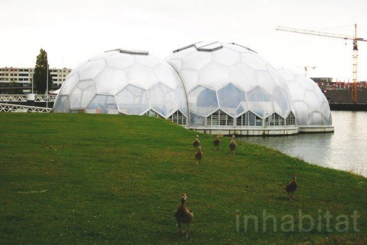 Floating Pavilion, Rijnhaven, Rotterdam Climate Proof, Deltasync and PublicDomain Architects, bubbles, half-spheres, floating architecture, Rotterdam, Dutch design, The Netherlands, Ana Lisa Alperovich, Architecture, Daylighting, Water Issues, Urban design, global warming, Floating Houses, energy efficiency,