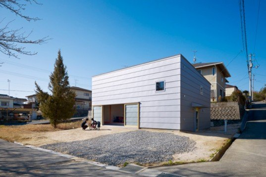 Takaya House, Makoto Tanijiri, japan, suppose Office, Architecture, green Interiors, Green Materials, sliding walls, Earthen Floor, mud floor, transformable house