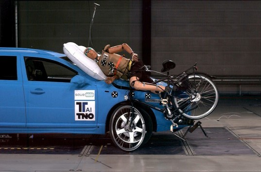 green design, eco design, sustainable design, exterior airbags, bicycle airbags, pedestrian airbags, bicycle safety, The Netherlands, Dutch Ministry of Infrastructure and the Environment, TNO, Volvo V40