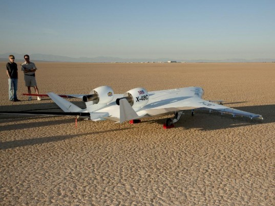 flying wing, hybrid aircraft, NASA, X-48B, X-48C, aircraft, fuel consumption, NASA aircraft, flying wing aircraft, aerospace, manta ray