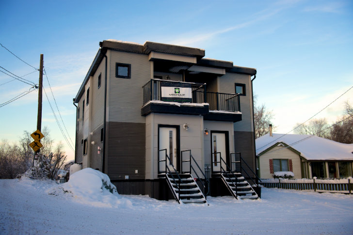 Smpl design studio 39 s latest energy efficient prefab duplex for Prefab duplex homes