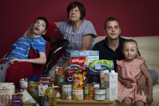 Oxfam America, seven photos of what seven families eat, food waste, poverty, injustice, food politics, hunger, obesity, news, environment, charity, aid organization, non profit organization, oxfam food photos