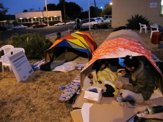 Homeless Shelter Pop Up : Cardborigami pop up shelters create instant space for