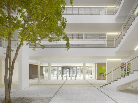 City Green Court, Richard Meier and Partners, prague, czech republic, leed platinum, eco office
