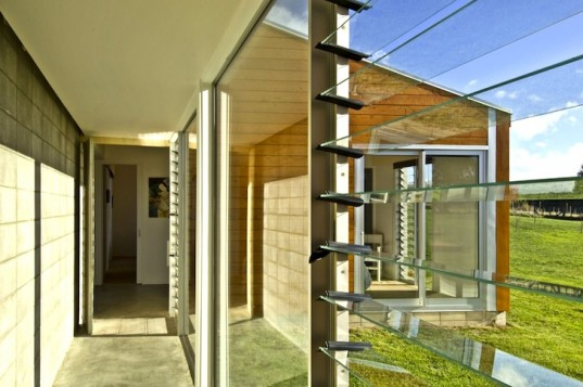 Bonnifait + Giesen, Cornege-Preston House, New Zealand, passive solar design, green design, sustainable design, eco-design, solar sink, daylighting, underfloor heating, rainwater capture, wool insulation, sustainable wood, double-glazing