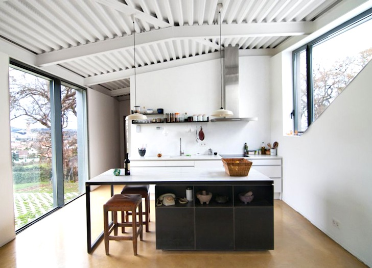 Gorgeous Hybrid Home Keeps its Cool With Honeycomb Clay Walls and a ...