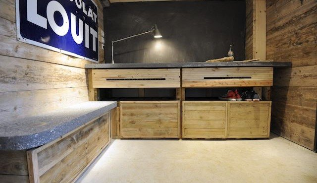 DIY: How to build a sweet set of cabinets from disused shipping
