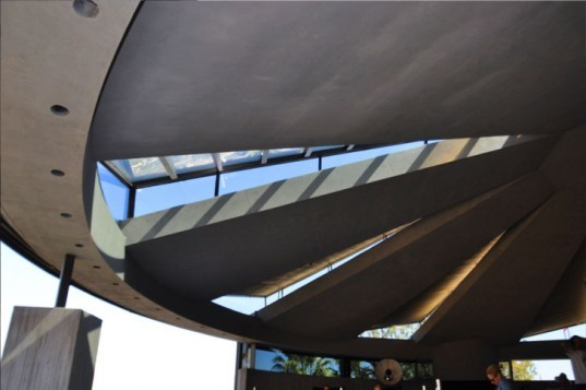 John Lautner Elrod House - Ceiling detail, John Lautner Elrod House, john lautner, ufo house, elrod house, elrod residence, palm springs modernism, diamonds are forever, james bond, bambi and thumper, california modernism, organic architecture, lautner, palm springs architecture, la modern, la modern home tours, la home tour, modern homes la, los angeles modern, modern homes los angeles, lautner los angeles, lautner la, john lautner LA, john lautner los angeles, ufo home, flintstones home, los angeles, alien-inspired homes los angeles, space homes, space inspired home, space architecture, la design, la modern design, historic la home, historic modern la homes, historic los angeles landmarks, historic los angeles homes, architecturally significant homes, architecturally significant homes california, palm springs architecture, palm springs modern homes