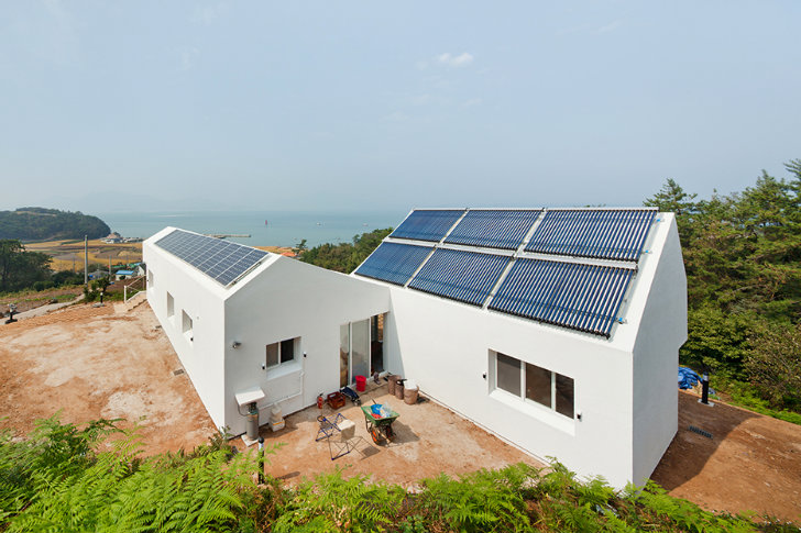 Sosoljip is a self sufficient net zero energy house in for Net zero energy homes