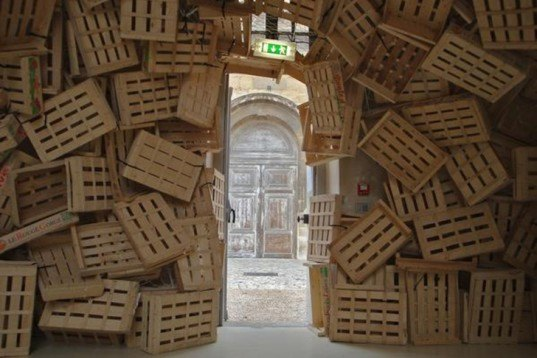Tadashi Kawamata, Gandamaison, Versailles, recycled wooden crates, site-specific, instalation, crates cascade, Art, Recycled Materials