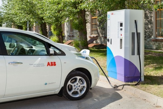 Estonia EV charging network, EV fast chargers, ABB EV charging stations, electric vehicles, plug-in vehicles, carbon emissions, zero emissions vehicle