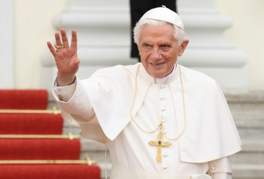 pope benedict xvi, resign, green pope, vatican, catholic, sustainable design, green design, environmentalism, green church, sustainability, carbon neutral vatican, solar powered vatican