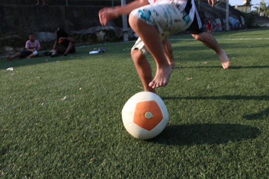 Soccket Energy-Harnessing Soccer Ball, soccer ball energy, Uncharted Play, Uncharted Play Kickstarter, eco-friendly power source, clean energy, green design, kinetically powered Soccket ball, off-grid power sources