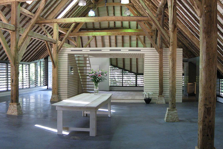 Arend Groenewegens barn turned into office with thatched roof
