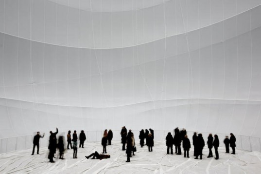 Big Air Package, Christo, largest indoor sculpture, environmental art, gasometer oberhausen, inflatable sculpture