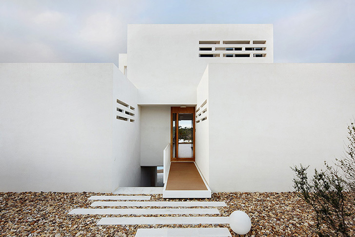 Cala d 39 or house is a modern yet rustic house in mallorca - Flexo arquitectura ...