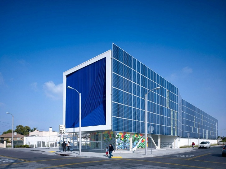 Attractive Brooks+Scarpa Unveil Los Angeles High School Clad With 650 Solar Panels