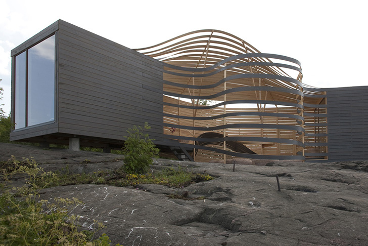 Flowing Wisa Wooden Design Hotel Provides Fascinating
