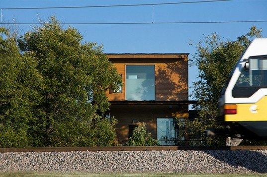 green design, eco design, sustainable design, LEED Platinum, Shipley Architects, Like a Houseboat, sustainable living, Urban Reserve, geothermic wells, reclaimed wood