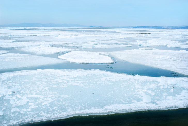 220 Latvian People Stranded on Ice Floes Due to Rising Temperatures