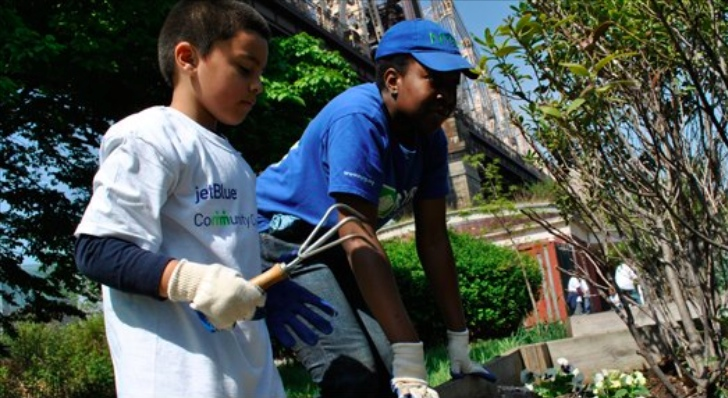 Help Plant 2,400 New Trees in NYC with JetBlue and the New York Restoration Project