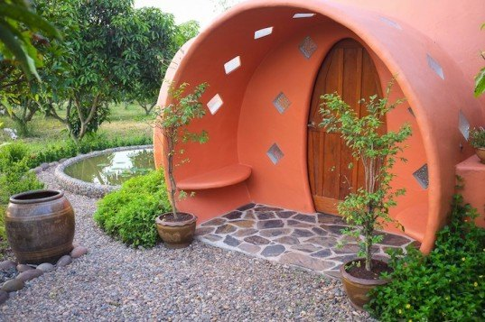 Dome House, Thailand, organic mango farm, sustainable building, terracotta dome house, tropical fauna, green design, sustainable design, eco-design, locally-sourced materials, daylighting, natural ventilation, Steve Areen