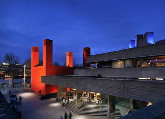 natural materials, recycled materials, recyclable materials, temporary design, London, National Theater, The Shed, Haworth Tompkins, green design, sustainable design, eco-design, National Theater, industrial chic, natural cooling, timber cladding