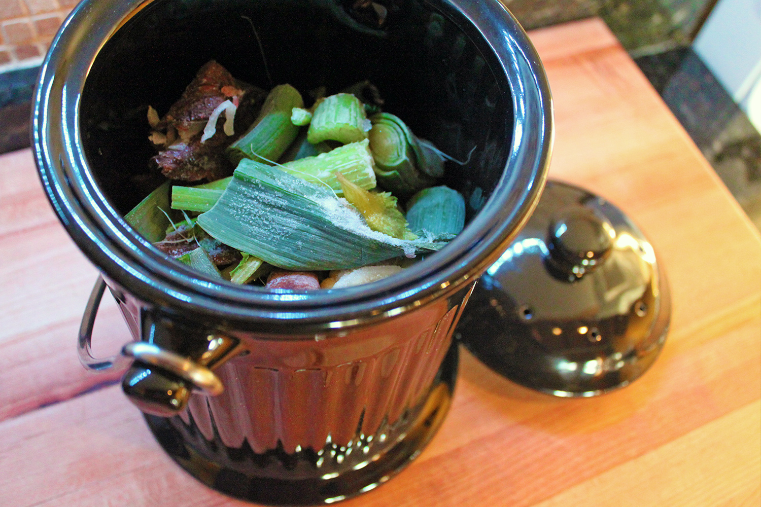 product review we try out ceramic countertop compost pail inhabitat green design innovation green building