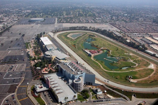 Hollywood Park Racetrack, hollywood park of tomorrow, racetrack redevelopment, inglewood, LA, the robert group, eco community