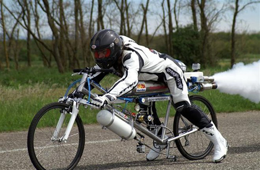 François Gissy bike world record, rocket-powered bike, cycling records, rocket-powered vehicle, Guinness Book of World Records, cycling, bike design, bike speed, cycling speed, mountain bike design, green transportation