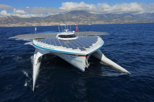 MS Tûranor PlanetSolar, PlanetSolar, solar-powered boat, solar catamaran Swiss solar boat, World speed record boat, solar energy, solar power, green transportation, solar design, solar boat, Guinness World Records, energy efficiency