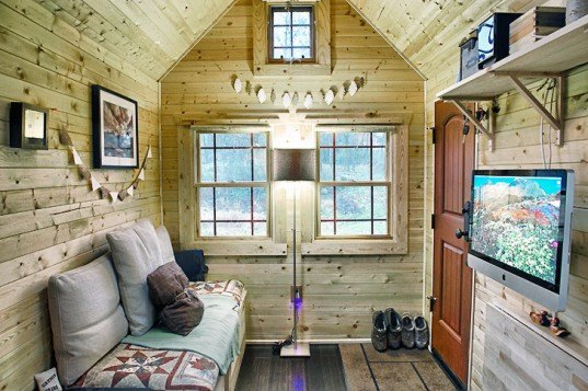 green design, eco design, sustainable design, Snohomish, Washington, Tiny Tack House, Malissa and Chris Tack, Handmade home, small living, minimal living, tiny spaces