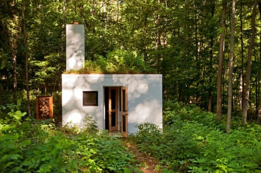 Salmela Architects, Lake Michigan architecture, sod roofs, green roofs, Yingst Retreat, sustainable design, daylighting, eco-design, green design, forest preservation, glazing, Sleeping Bear Dunes,