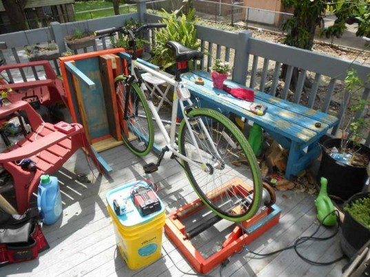 bike generator, instructables, klockworkkevin, patio furniture, hidden, renewable energy