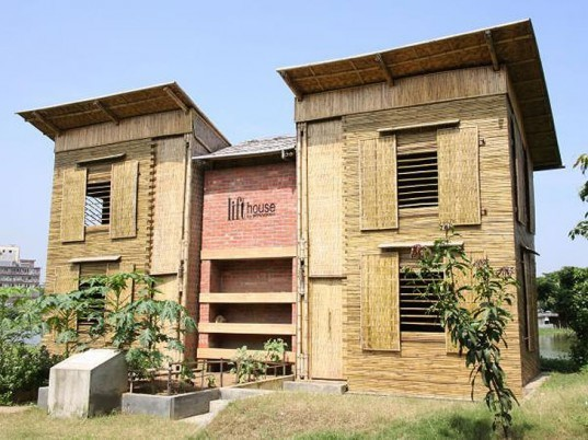The Lift House, Prithula Prosun, urgent architecture, green building, flood proof building, flood proof design