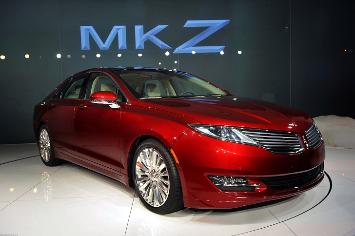 Test Drive A Quick Drive In The 2013 Lincoln Mkz Hybrid Inhabitat