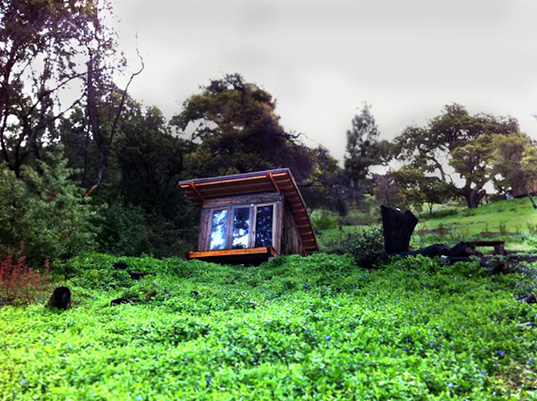 Hawk House Alex Wyndham, Alex Wyndham, tiny houses, small timber houses, off the grid houses, California cabana, timber house Big Sur, Big Sur