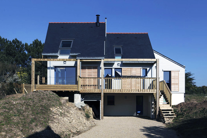 Patrice Bideau's Bioclimatic House in France Balances Beautiful Views With Energy Efficiency