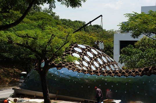 green design, eco design, sustainable design, SUTD, Singapore University of Technology and Design, City Form Lab, recyclable timber, recycled pavilion, prefabricated pavilion