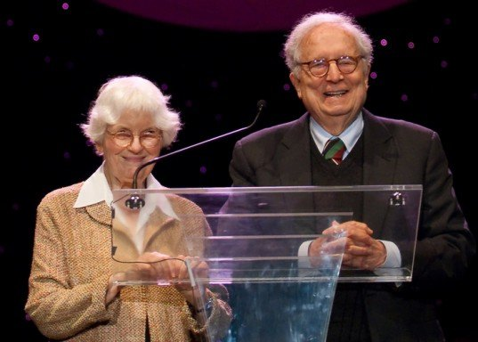 Denise Scott Brown Pritzker, Denise Scott Brown, Robert Venturi, Pritzker Prize, Pritzker Retroactive, archtiecture awards, sexism in architecture, Women in architecture, Harvard GSD, postmodern architects, Learning from Las Vegas, online petition, petition Denise Scott Brown