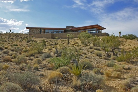 Aaron D'Innocenzo, Jackrabbit Wash, Joshua Park, California, Mojave Desert, desert architecture, green design, sustainable design, eco-design, energy efficiency, natural materials, desert homes in California, green desert homes