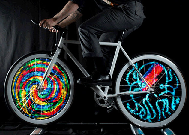 Monkey Light Pro Lets You Download And Animate Your Own Bike Wheel Display