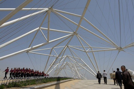 Plasma Studio, Guangyun Entrance Pavilion, China, Xi'an, International Horticultural Expo, web-like structure, steel structure, blue lights, green shade, London underground, Architecture, Green Events,