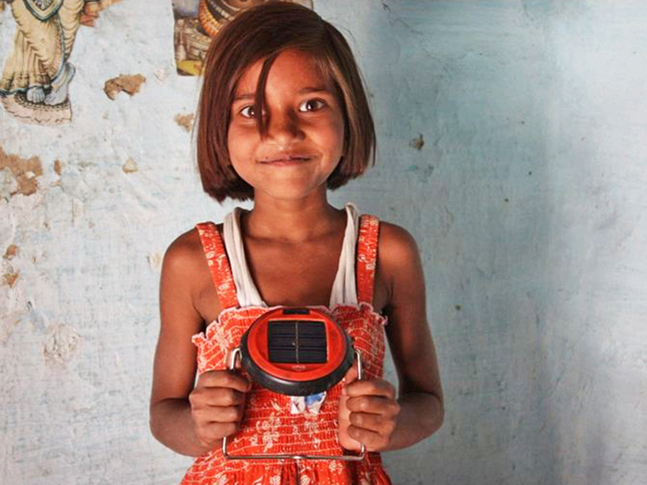 S1 Solar LED Lamp by d.light Aims to Provide a Brighter Future for Rural Areas in Asia and Africa