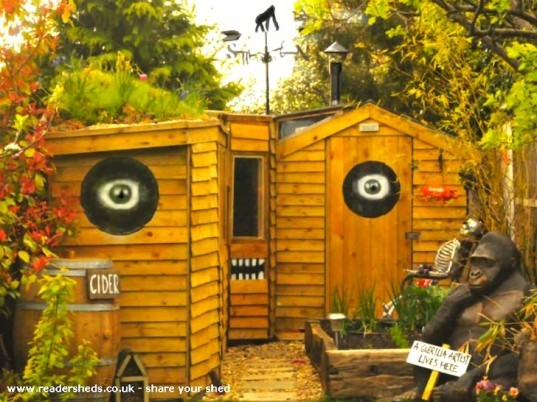 eco-shed, garden shed, Shed of the Year, Sheddies, recycled materials, green roof, green design, sustainable design, eco-design, design competition, United Kingdom, backyard offices, green roof, planted roof
