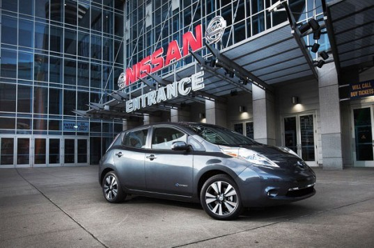 Nissan, Nissan Leaf, Nissan Electric Car, green car, DC quick charger, electric vehicle chargers, green transportation, lithium-ion battery, electric vehicle, electric