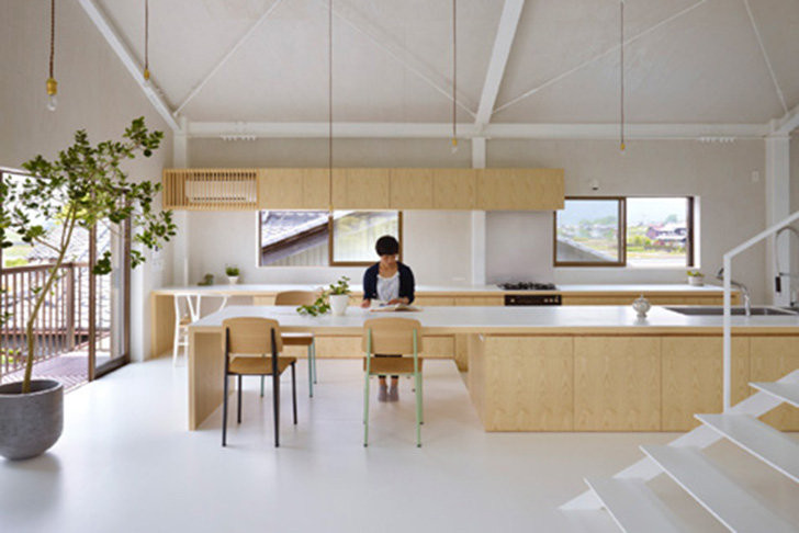Airhouse design office s recycled warehouse home in japan for Japanese office interior design
