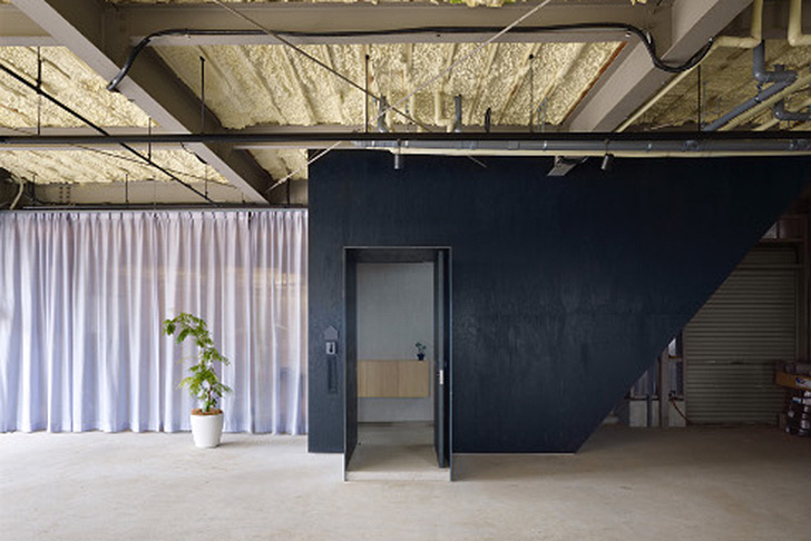 Airhouse Design Office\'s recycled warehouse home in Japan ...